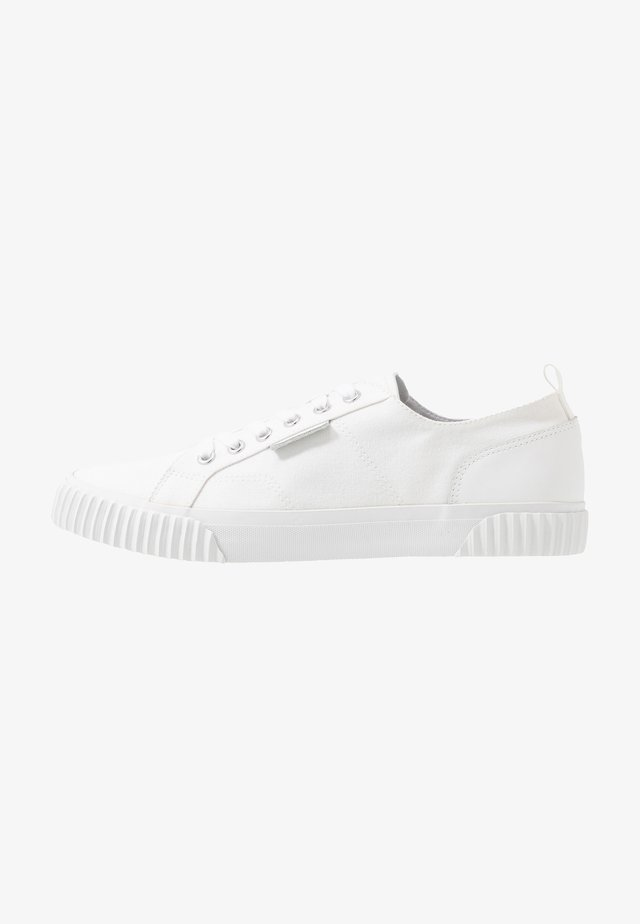 MITCHELL - Sneakers basse - white