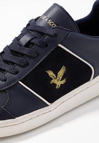 Lyle & Scott - MCAVENNIE - Sneakers laag - dark navy - 5