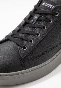 Lyle & Scott - SHANKLY II - Sneakers - true black - 5