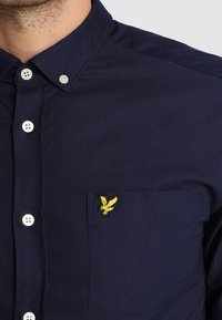 Lyle & Scott - REGULAR FIT  - Vapaa-ajan kauluspaita - dark blue - 5