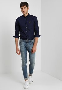 Lyle & Scott - REGULAR FIT  - Vapaa-ajan kauluspaita - dark blue - 1