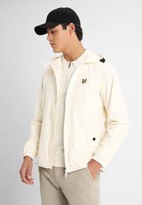 Lyle & Scott - ZIP THROUGH HOODED JACKET - Summer jacket - snow white - 0