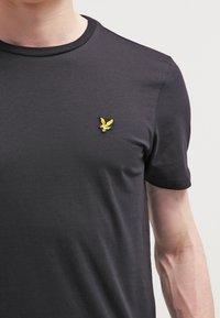 Lyle & Scott - T-shirt - bas - true black - 3