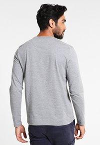 Lyle & Scott - CREW NECK PLAIN - Pitkähihainen paita - mid grey marl - 2
