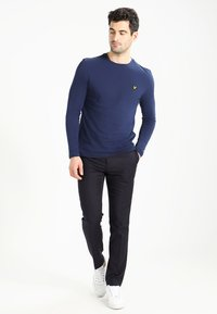 Lyle & Scott - CREW NECK PLAIN - Longsleeve - navy - 1