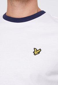Lyle & Scott - RINGER TEE - T-Shirt print - white - 5