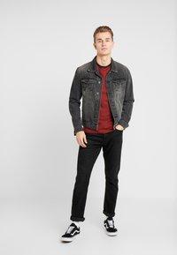 Lyle & Scott - RINGER TEE - T-Shirt print - brick red/ navy - 1