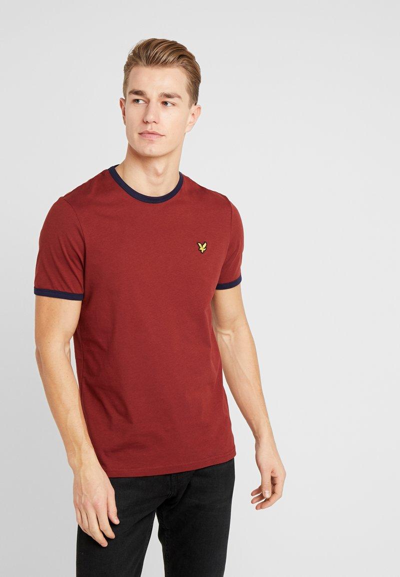 Lyle & Scott - RINGER TEE - T-Shirt print - brick red/ navy