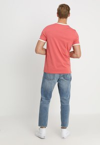 Lyle & Scott - RINGER TEE - T-Shirt print - sunset pink - 2