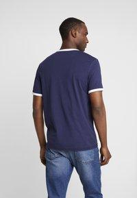 Lyle & Scott - RINGER TEE - T-shirt print - navy/white - 2