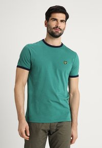 Lyle & Scott - RINGER TEE - T-Shirt print - alpine green/navy - 0