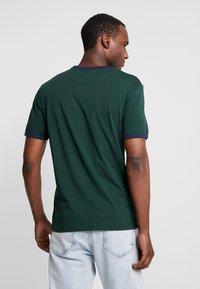 Lyle & Scott - RINGER TEE - T-Shirt print - jade green/navy - 2