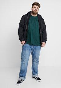 Lyle & Scott - Basic T-shirt - jade green - 1
