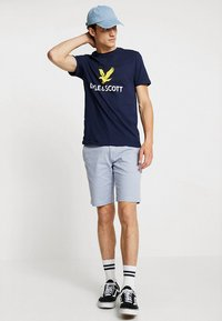Lyle & Scott - LOGO - T-shirt med print - navy - 1