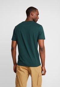Lyle & Scott - LOGO - T-shirt print - jade green - 2