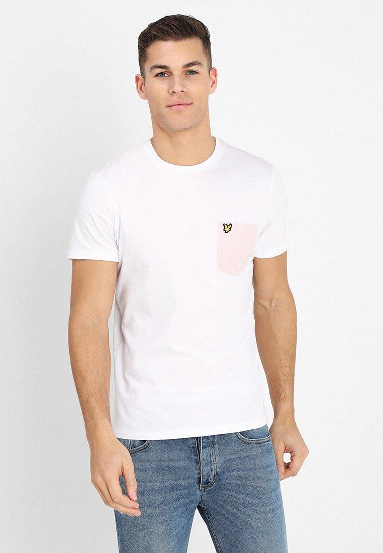 Lyle & Scott - CONTRAST POCKET - T-shirt print - white/dusky lilac