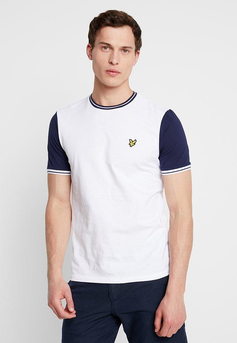 Lyle & Scott - TIPPED - Print T-shirt - white/navy