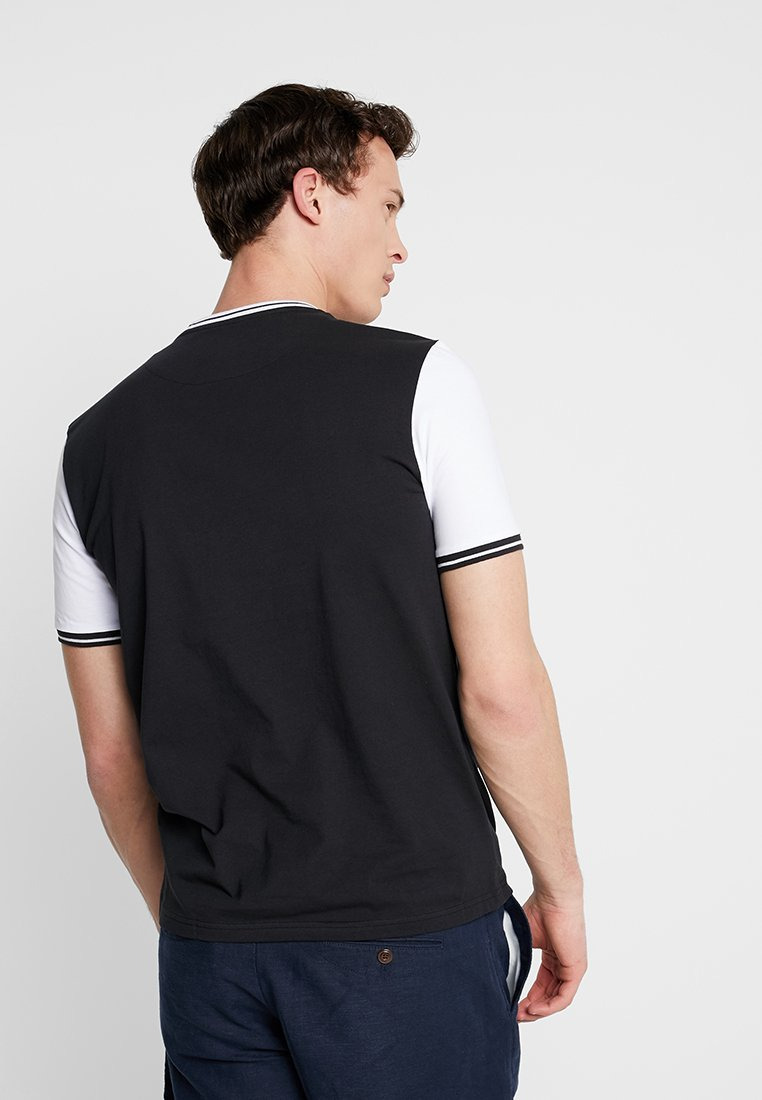 Scott white Imprimé TippedT shirt True Black Lyleamp; PXN8Onk0w