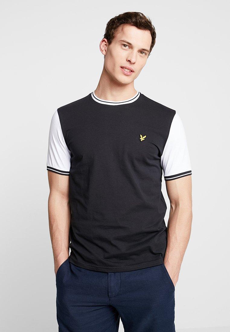 Lyle & Scott - TIPPED - T-shirt print - true black/white