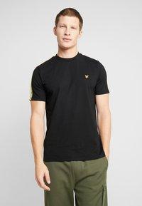 Lyle & Scott - TAPED T-SHIRT - T-shirt basic - true black - 0