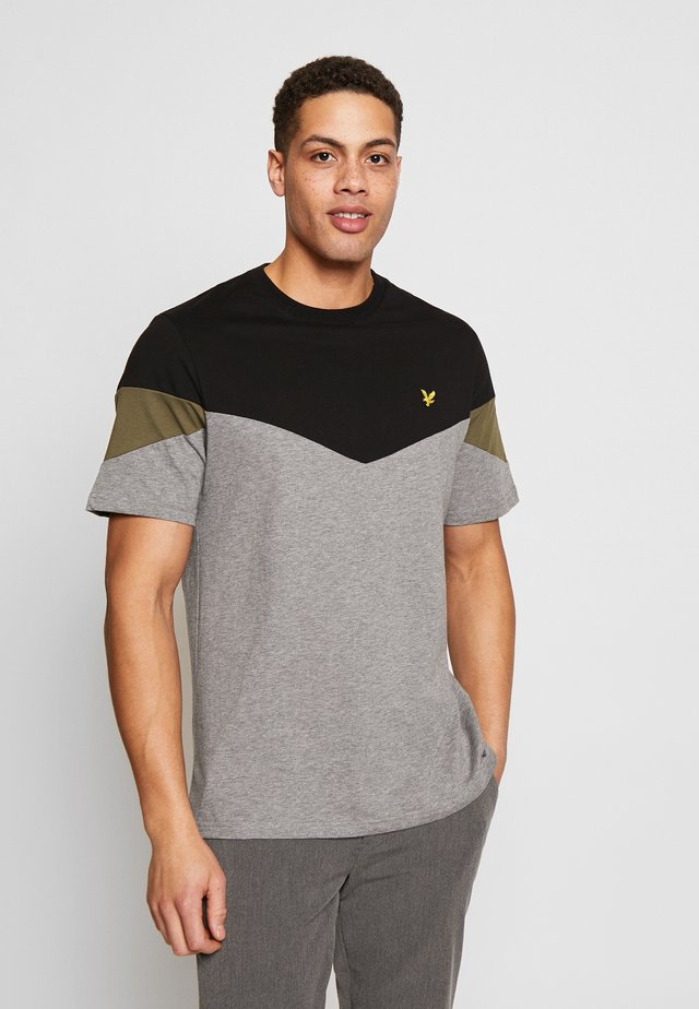 PANEL  - T-shirt con stampa - jet black/ mid grey marl