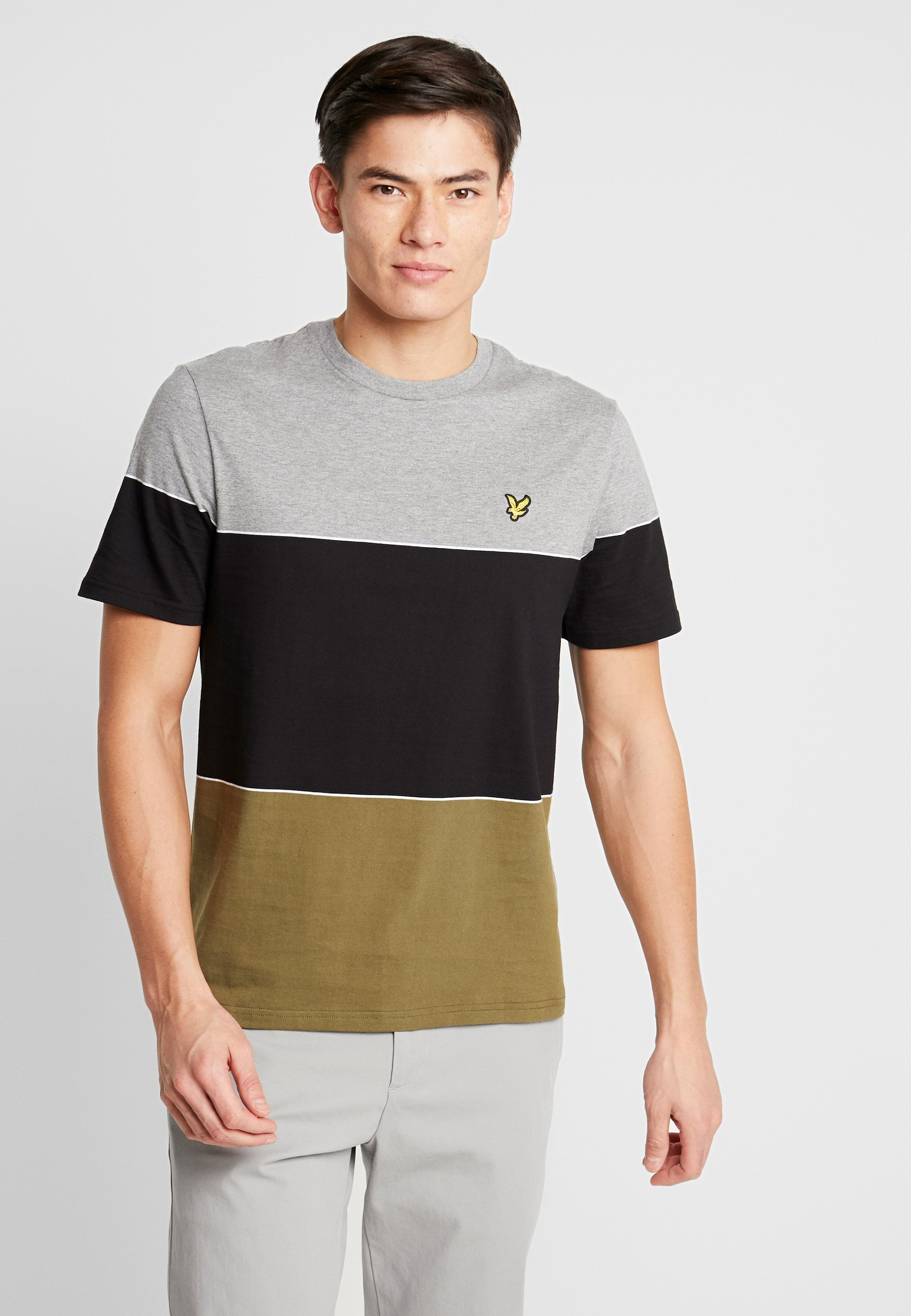 Lyle & Scott WIDE STRIPE - T-shirt z nadrukiem - lichen gree/jet black