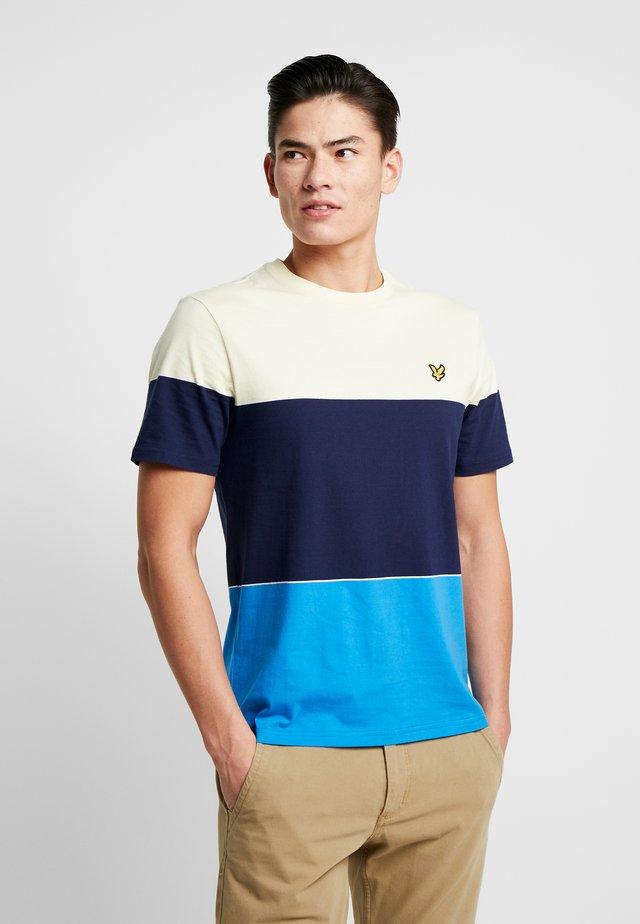WIDE STRIPE - T-shirt med print - bright royal blue/ buttercream
