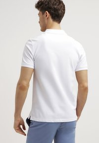 Lyle & Scott - PLAIN - Poloshirt - white - 2
