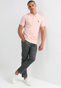 Lyle & Scott - PLAIN - Poloshirts - dusty pink - 1
