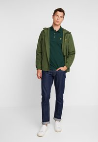 Lyle & Scott - PLAIN - Poloshirt - jade green - 1