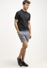 Lyle & Scott - PLAIN - Piké - true black - 1