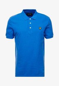 blue/ yellow