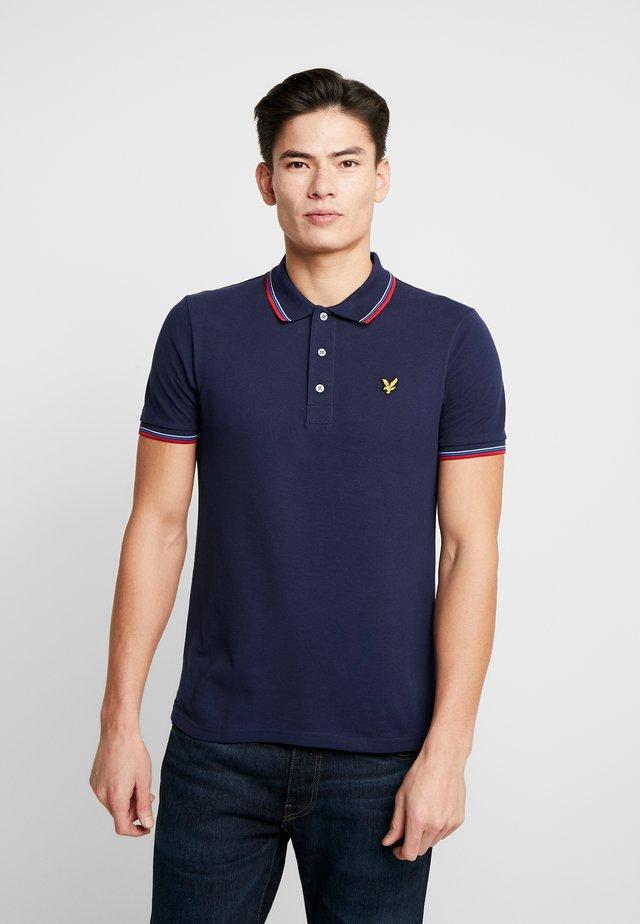 SEASONAL TIPPED POLO SHIRT - Poloshirt - navy/gala red