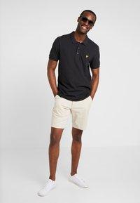 Lyle & Scott - SLIM FIT - Poloshirts - true black - 1