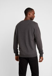 Lyle & Scott - CREW NECK - Sweater - charcoal marl - 2