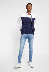 Lyle & Scott - TIPPED FUNNEL NECK - veste en sweat zippée - navy - 1
