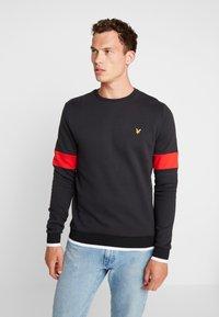 Lyle & Scott - TIPPED CREW NECK - Sweatshirt - true black - 0