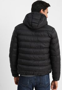 Lyle & Scott - LIGHTWEIGHT PUFFER - Giacca da mezza stagione - true black - 2