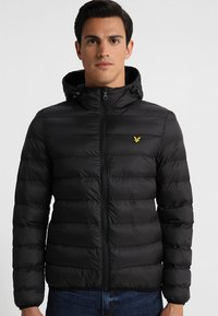 Lyle & Scott - LIGHTWEIGHT PUFFER - Light jacket - true black - 3