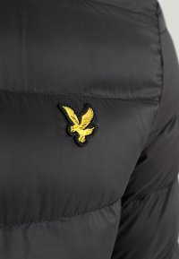 Lyle & Scott - LIGHTWEIGHT PUFFER - Giacca da mezza stagione - true black - 6