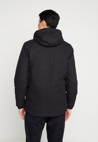 Lyle & Scott - WADDED JACKET WITH FAUX SHEEPSKIN - Välikausitakki - true black - 2
