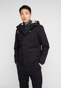 Lyle & Scott - WADDED JACKET WITH FAUX SHEEPSKIN - Välikausitakki - true black - 0