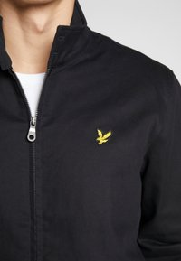Lyle & Scott - HARRINGTON JACKET - Bomberjacks - jet black - 5