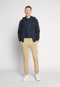 Lyle & Scott - SOFTSHELL JACKET - Korte jassen - dark navy