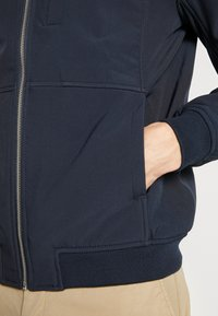 Lyle & Scott - SOFTSHELL JACKET - Korte jassen - dark navy - 3
