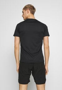 Lyle & Scott - CORE RAGLAN - T-shirt basic - true black - 2