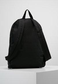Lyle & Scott - CORE BACKPACK - Sac à dos - true black - 2