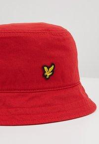Lyle & Scott - BUCKET HAT - Hat - gala red - 2