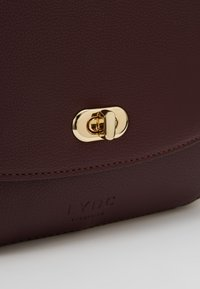 LYDC London - Käsilaukku - bordeaux - 7