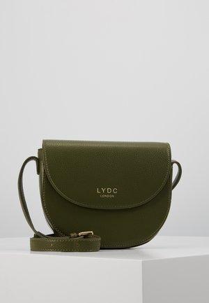 Across body bag - green